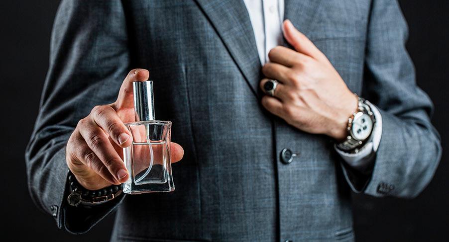 Så appliceras parfym